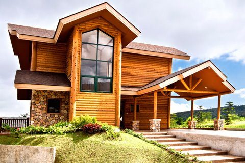 FOR SALE: The Woodlands point, Tagaytay Highlands, Philippines – House and Lots