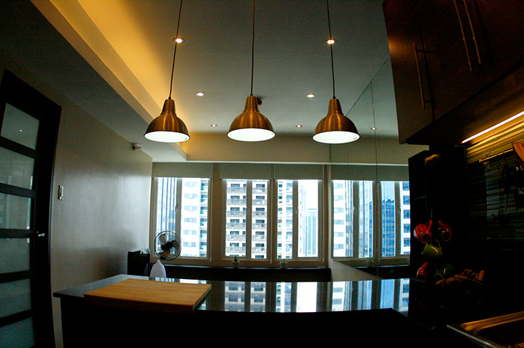 Wide window in the living room and bedroom at Seibu Tower Condominium, BGC, Philippines