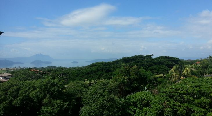 FOR SALE: Tagaytay Highlands PENTHOUSE with Taal Lake View