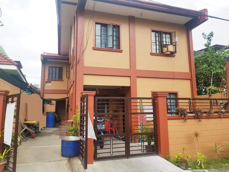 FOR SALE: 3-Door Apartment with Income – Katarungan Village Daang Hari P7.7M
