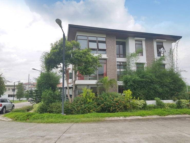 FOR SALE: Fully Furnished 6BR House Treveia Nuvali P25M